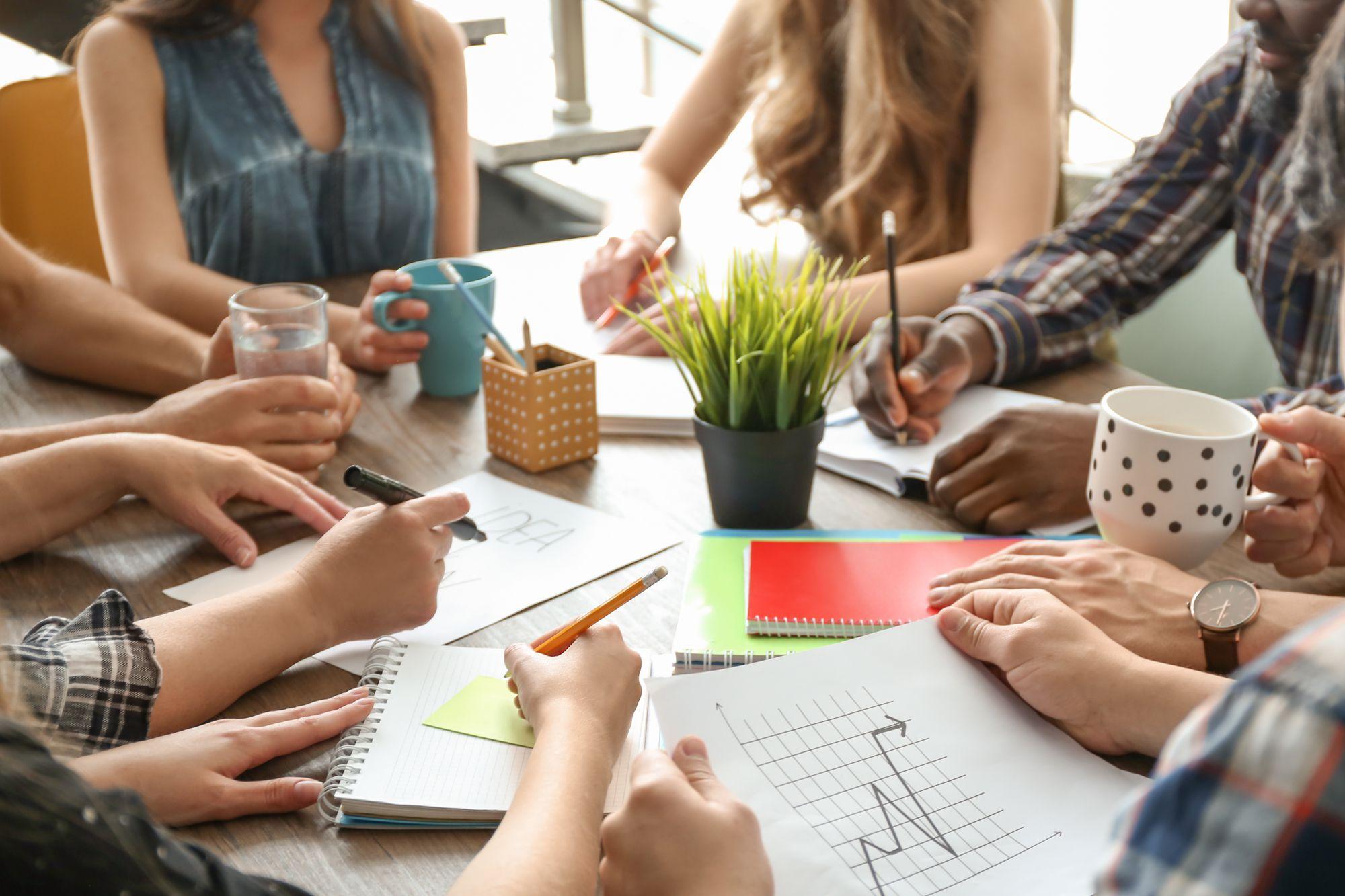 Os eventos corporativos têm se tornado cada vez comuns no mundo dos negócios, principalmente como uma forma de promoção da marca, alinhamento da equipe, melhora no clima organizacional, definição de…